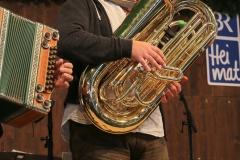 Andreas Martin Hofmeier (Prof. für Tuba am Mozarteum Salzburg), Schönheitskönigin 13. Tag auf der Oidn Wiesn am Oktoberfest in München 2018
