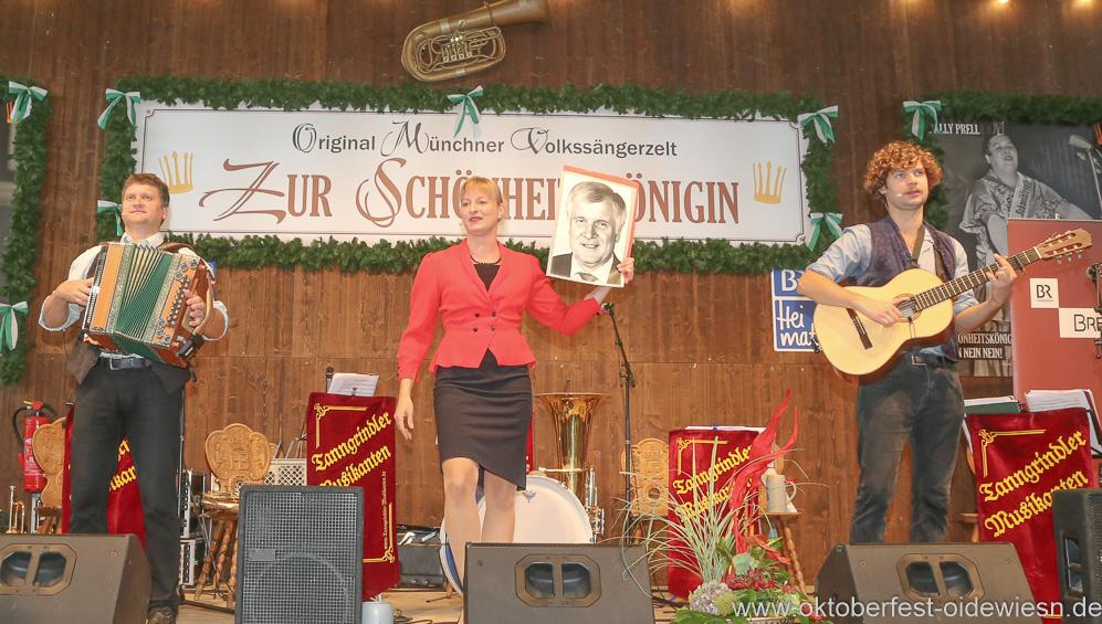 Couplet AG, Schönheitskönigin 15. Tag auf der Oidn Wiesn am Oktoberfest in München 2018