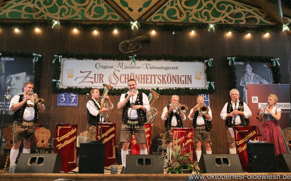 Tanngrindler Musikanten, Schönheitskönigin 15. Tag auf der Oidn Wiesn am Oktoberfest in München 2018