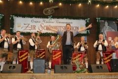 Peter Reichert dirrigiert die Tanngrindler Musikanten, Schönheitskönigin 15. Tag auf der Oidn Wiesn am Oktoberfest in München 2018