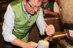 Bernhard Klier, Schönheitskönigin 15. Tag auf der Oidn Wiesn am Oktoberfest in München 2018