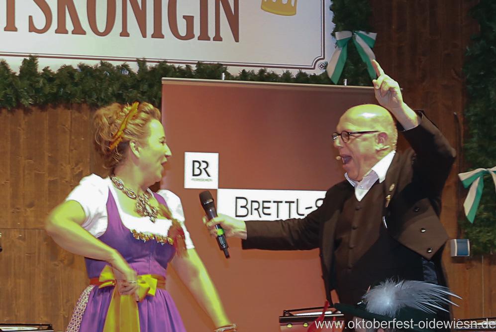Constanze Lindner und Jürgen Kirner, Schönheitskönigin 16. Tag auf der Oidn Wiesn am Oktoberfest in München 2018