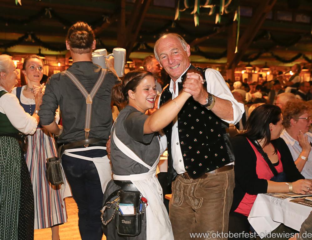 Schönheitskönigin 16. Tag auf der Oidn Wiesn am Oktoberfest in München 2018