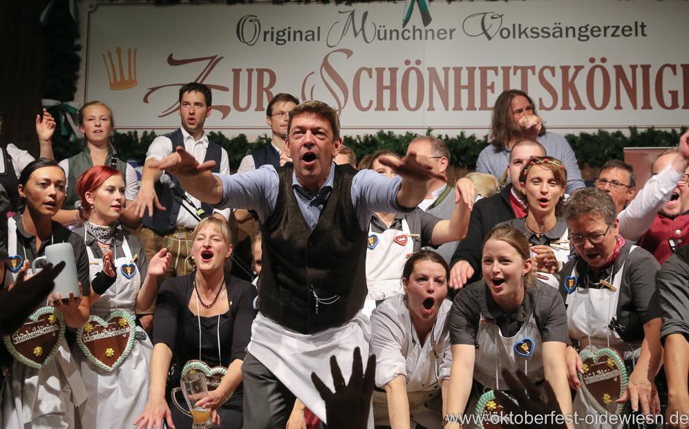 Peter Reichert (Mitte), Finale in der Schönheitskönigin auf der Oidn Wiesn am Oktoberfest in München 2018