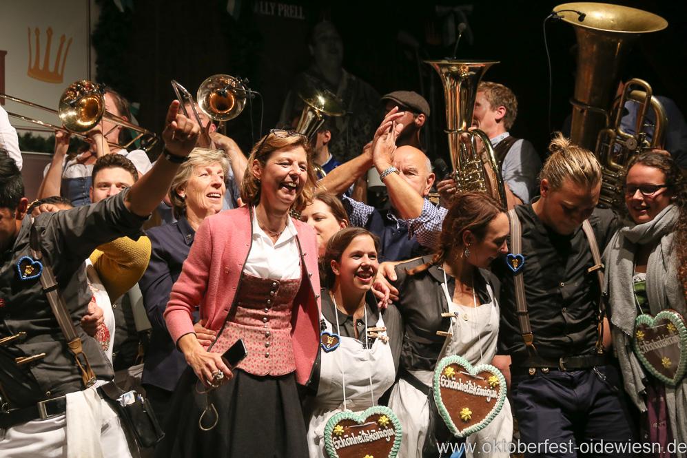 Gerdi Reichert (Mitte), Finale in der Schönheitskönigin auf der Oidn Wiesn am Oktoberfest in München 2018
