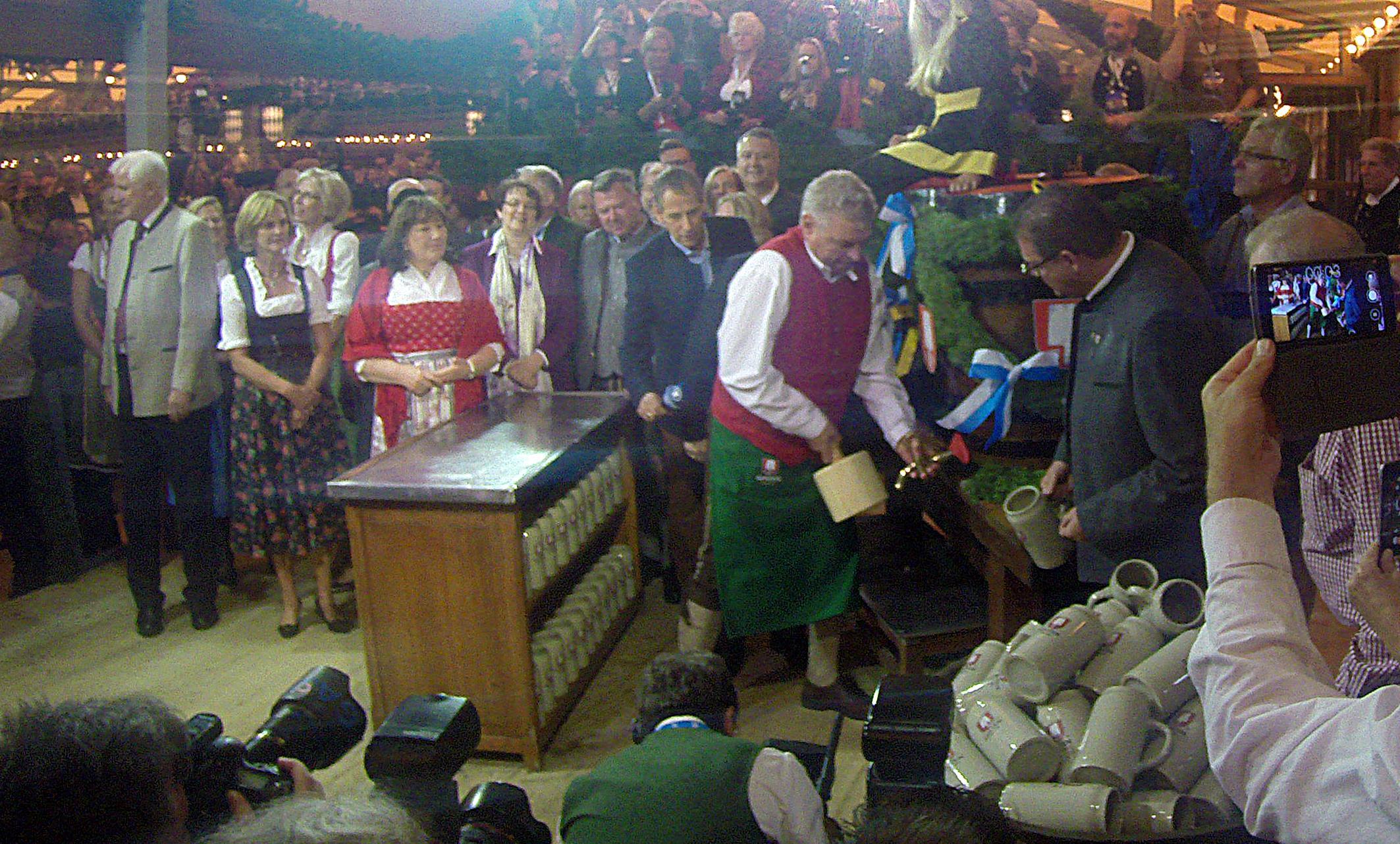 Anzapfen Oktoberfest Schottenhamel Dieter Reiter