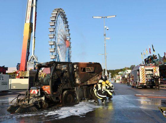 Kehrmaschine auf dem Oktoberfest in Brand, Quelle Foto Berufsfeuerwehr München